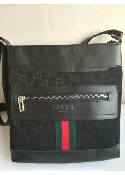 Мъжка чанта комбинация от плат и кожа в черно