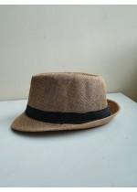Мъжка лятна шапка с периферия в светло кафяво с черен акцент