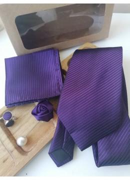Луксозен комплект за младоженец вратовръзка, бутониера, ръкавели и кърпичка в тъмно лилаво