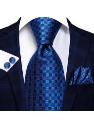 Модерен комплект вратовръзка кърпичка и ръкавели за сватба и бал в тъмно синьо и кралско синьо