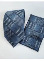 Бизнес клас копринена мъжка вратовръзка и кърпичка в тъмно синьо с геометрични мотиви
