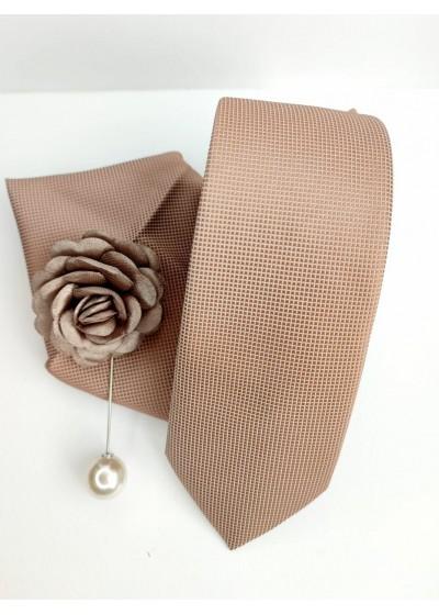 Стилен комплект за младоженец вратовръзка кърпичка и бутониера в екрю