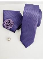 Комплект за младоженец и абитуриент тънка вратовръзка кърпичка и бутониера в лилаво