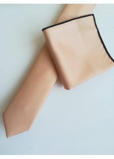 Тънка мъжка вратовръзка и кърпичка в цвят светла праскова за специални събития и бизнес облекло