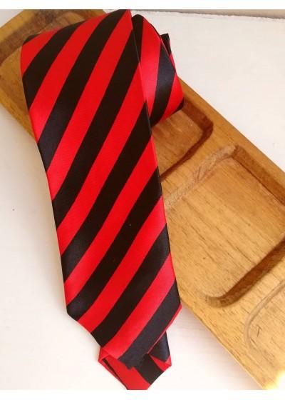 Копринена вратовръзка в черно и червено за бинес и официални случаи