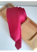 Тънка копринена вратовръзка за абитуриент в цикламено