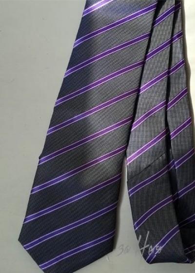 Вратовръзка в сиво и светло лилаво