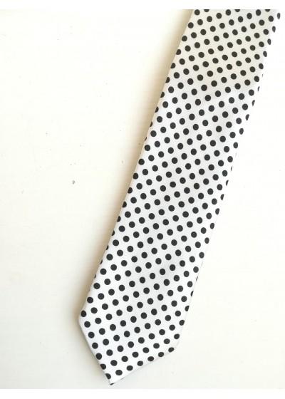 Тънка вратовръзка на точки в бяло и черно White with dots