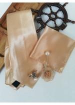 Мъжки комплект вратовръзка кърпичка бутониера и ръкавели в бежово