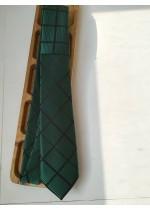 Мъжка вратовръзка за младоженец и абитуриент в тъмно зелено by Polovito