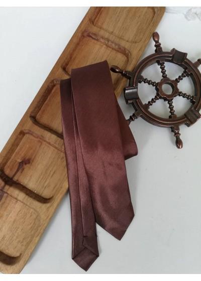 Мъжка вратовръзка в шоколадово кафяво