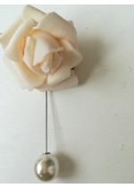 Бутониера - игла за младоженец и шафери - роза в слонова кост