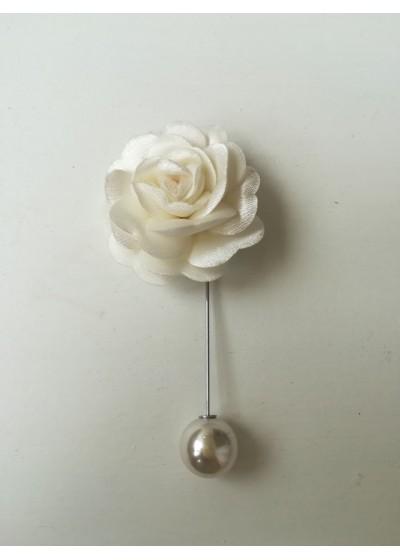 Бутониера за младоженец и шафери- цвете в екрю